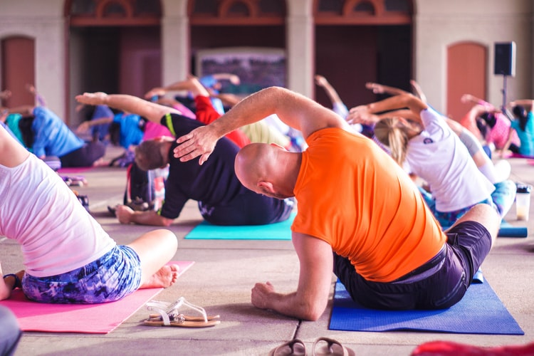 Discover the Benefits of Introducing Yoga to Seniors